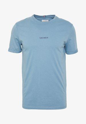 LENS - T-Shirt print - provincial blue/navy