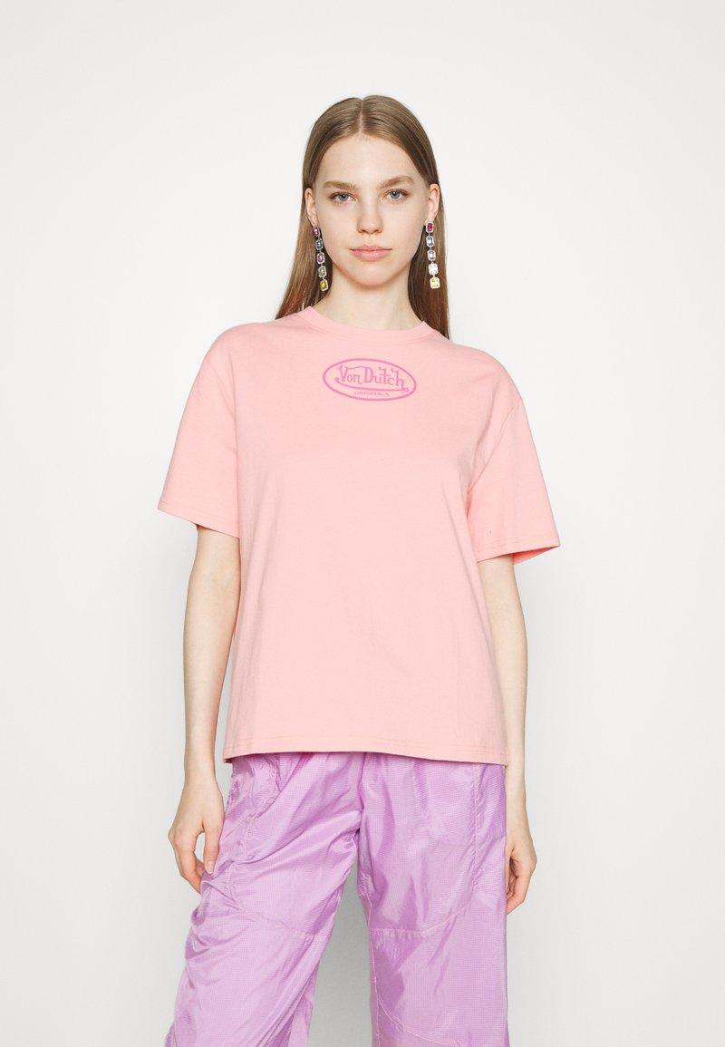 Von Dutch - ARI - Print T-shirt - peach