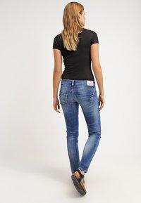 Herrlicher - PIPER SLIM - Slim fit jeans - bliss - 2