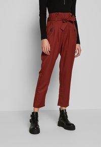 Noisy May - NMROBERT PANT - Trousers - burnt henna - 0