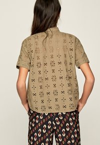 Pepe Jeans - COCO - Button-down blouse - thyme - 2