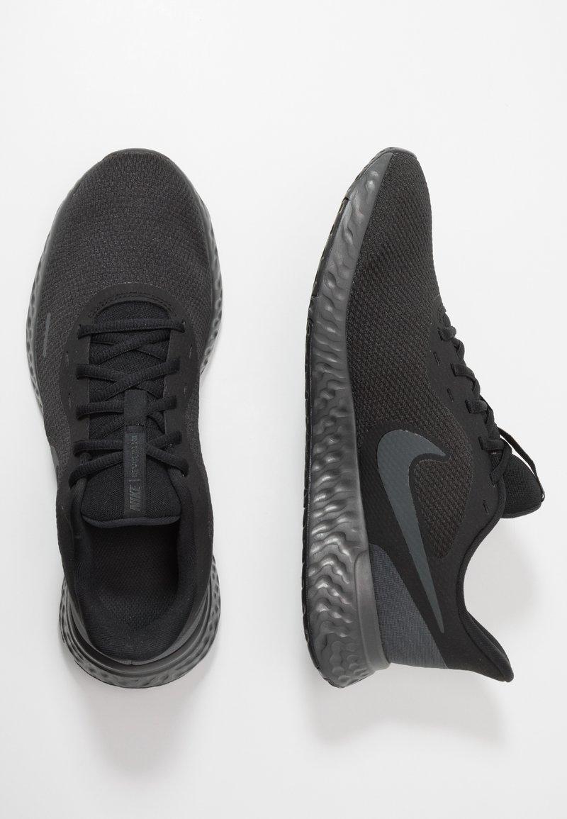 Regulación Ejemplo Condensar  Nike Performance REVOLUTION 5 - Zapatillas de running neutras -  black/anthracite/negro - Zalando.es