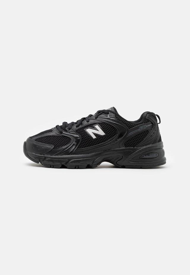 MR530 - Trainers - black