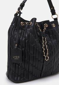 LYDC London - HANDBAG - Bolso de mano - black - 3