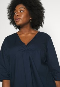 MY TRUE ME TOM TAILOR - LOOSE FIT BLOUSE PLEAT - Bluser - real navy blue - 4