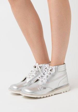 THROWBACK - Ankle boots - silver