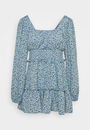 SHIRRED WAIST TIERED DRESS DITSY - Denní šaty - blue