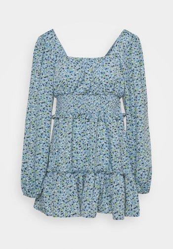 SHIRRED WAIST TIERED DRESS DITSY - Day dress - blue
