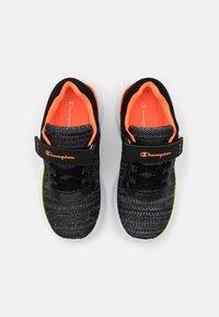 Champion - SOFTY UNISEX - Zapatillas de entrenamiento - new black - 3