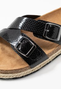 Dorothy Perkins - FOXY DOUBLE BUCKLE FOOTBED - Mules - black - 5