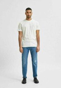 Selected Homme - Print T-shirt - egret - 1