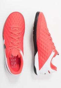 Nike Performance - TIEMPO LEGEND 8 ACADEMY IC - Indoor football boots - laser crimson/black/white - 1