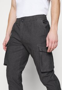 Redefined Rebel - ABEL PANTS - Cargo trousers - grey - 4