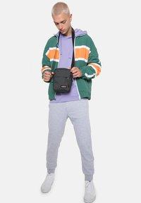 Eastpak - Across body bag - stone grey - 0