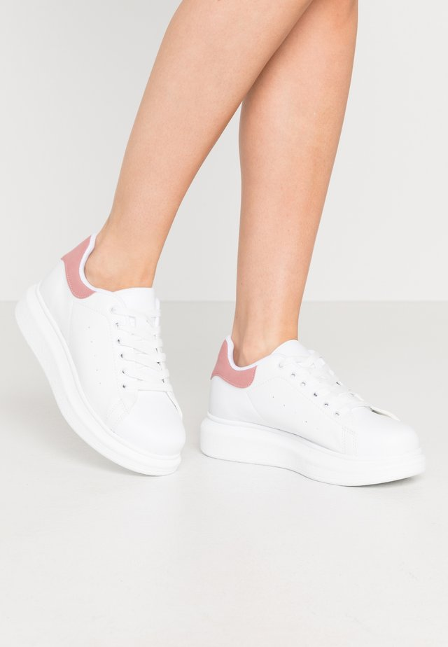 PERFECT - Sneakers laag - white/pink