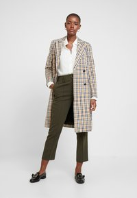 Dorothy Perkins - BELTED CHECK - Trousers - green - 1
