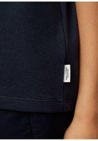 Marc O'Polo DENIM - Basic T-shirt - scandinavian blue - 4