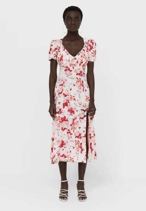 MIT BLUMEN - Day dress - red