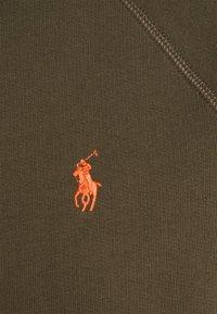 Polo Ralph Lauren - LONG SLEEVE - Felpa con cappuccio - expedition olive - 6