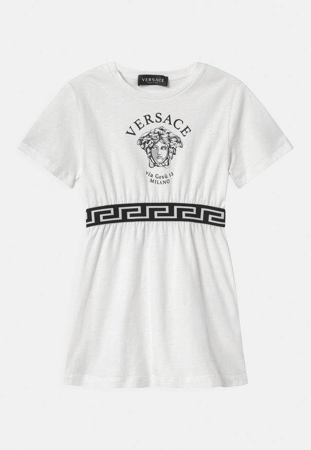 VIA GESU MEDUSA - Žerzejové šaty - white/black
