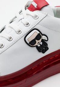 KARL LAGERFELD - KAPRI KUSHION IKONIC LACE - Sneaker low - white/silver - 4