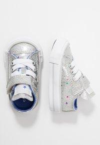 Converse - CHUCK TAYLOR ALL STAR GALAXY GLIMMER - Trainers - silver/ozone blue/white - 0