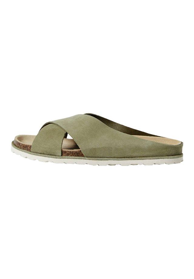 Slip-ins - green