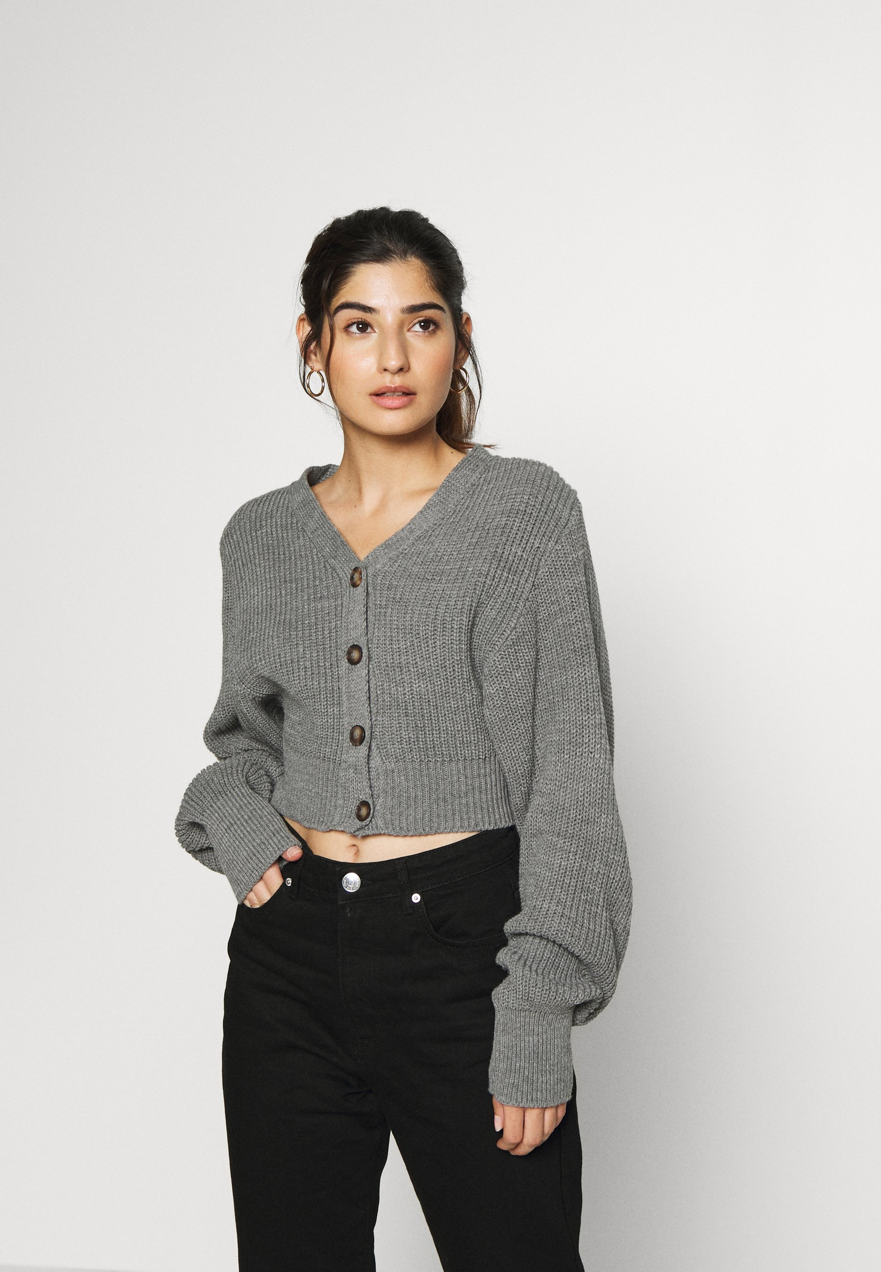 Mujer CROPPED WITH LOW V NECK AND PUFF LONG SLEEVES - Chaqueta de punto