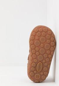 Bisgaard - GERLE - Baby shoes - cognac - 5