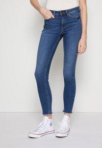 TOM TAILOR DENIM - JONA - Jeans Skinny Fit - used mid stone blue denim - 0