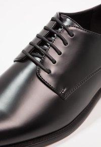 Zalando Essentials - Smart lace-ups - black - 5