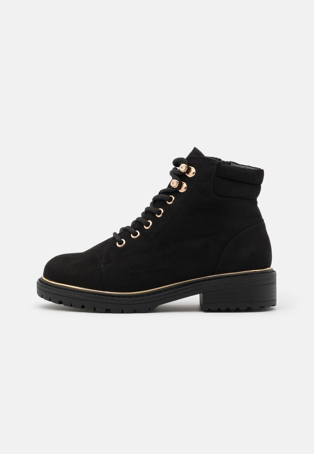 WIDE FIT PIPED LACE UP - Snørestøvletter - black