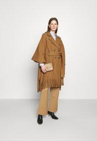 Pinko - PUERTA MANTELLA PANNO - Classic coat - camel - 1