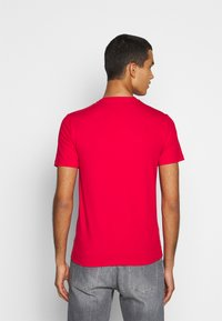 EA7 Emporio Armani - Print T-shirt - racing red - 2