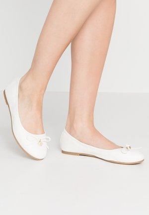 Ballerina - white