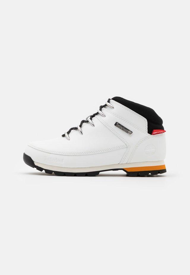 EURO SPRINT HIKER - Šněrovací kotníkové boty - white