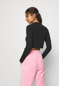 adidas Originals - CROP - Long sleeved top - black - 2