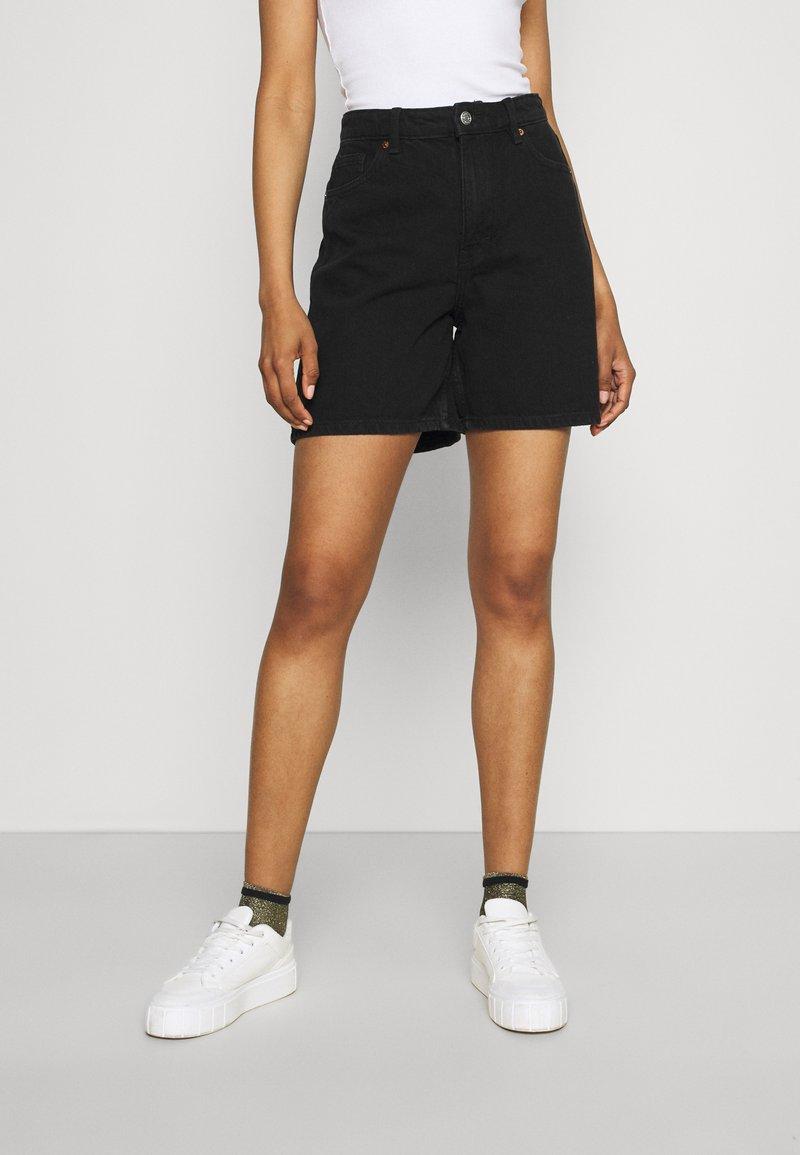 Monki - Szorty jeansowe - black dark