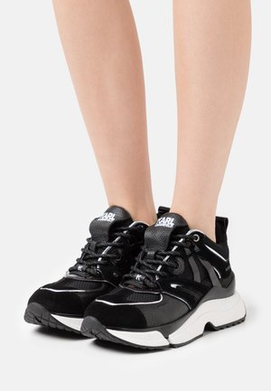 AVENTUR DELTA MIX - Trainers - black