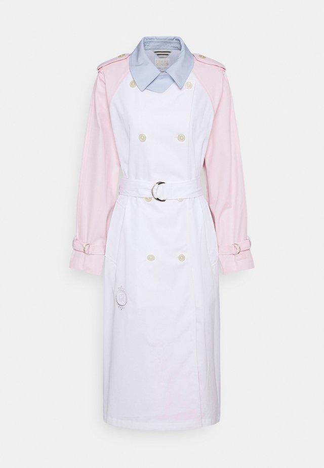 ICON RAGLAN - Trench - breezy blue/light pink/white