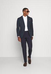 Isaac Dewhirst - THE BLAZER - Blazer jacket - dark blue - 1