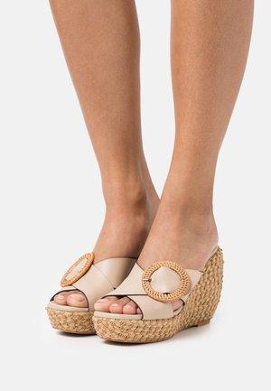 Pantofle na podpatku - dream