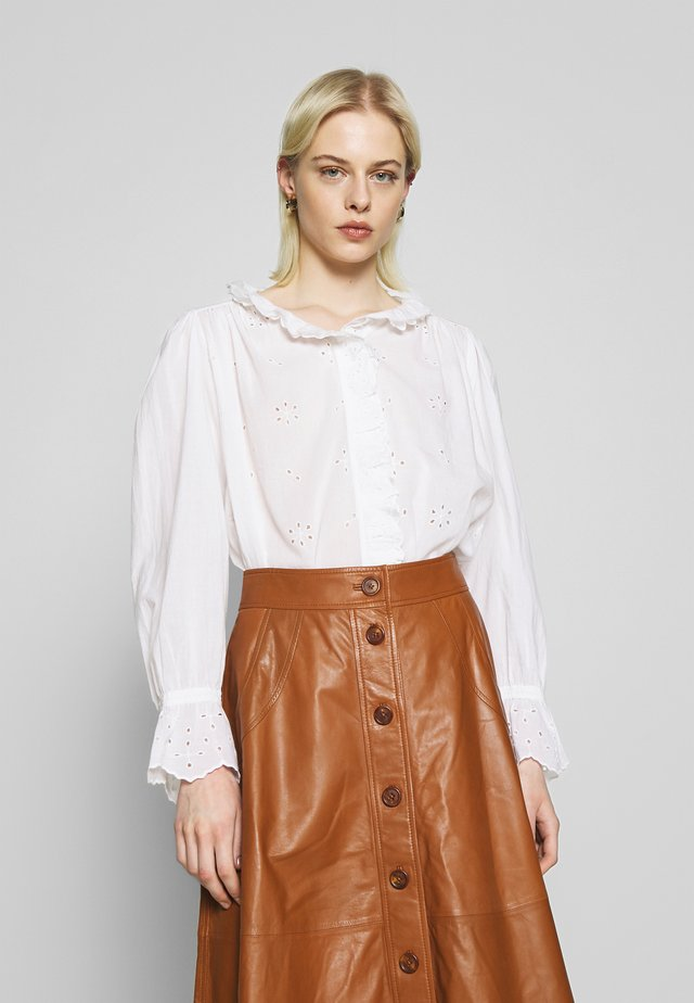 DAISYA - Button-down blouse - blanc