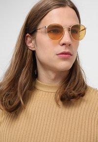 Polaroid - Sunglasses - orange - 1