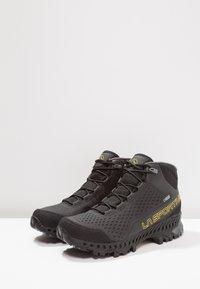 La Sportiva - STREAM GTX - Hiking shoes - black/yellow - 2