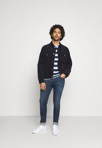 Tommy Jeans - HEATHER STRIPE TEE - Print T-shirt - twilight navy - 1