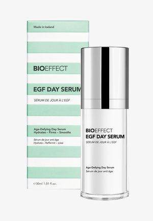 EGF DAY SERUM - Serum - -