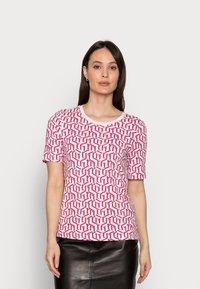 Tommy Hilfiger - REGULAR PRINTED - Print T-shirt - pink - 0