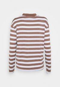 Trendyol - Langærmede T-shirts - mink - 1