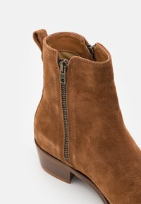ALDO - NALENIA - Classic ankle boots - cognac - 5